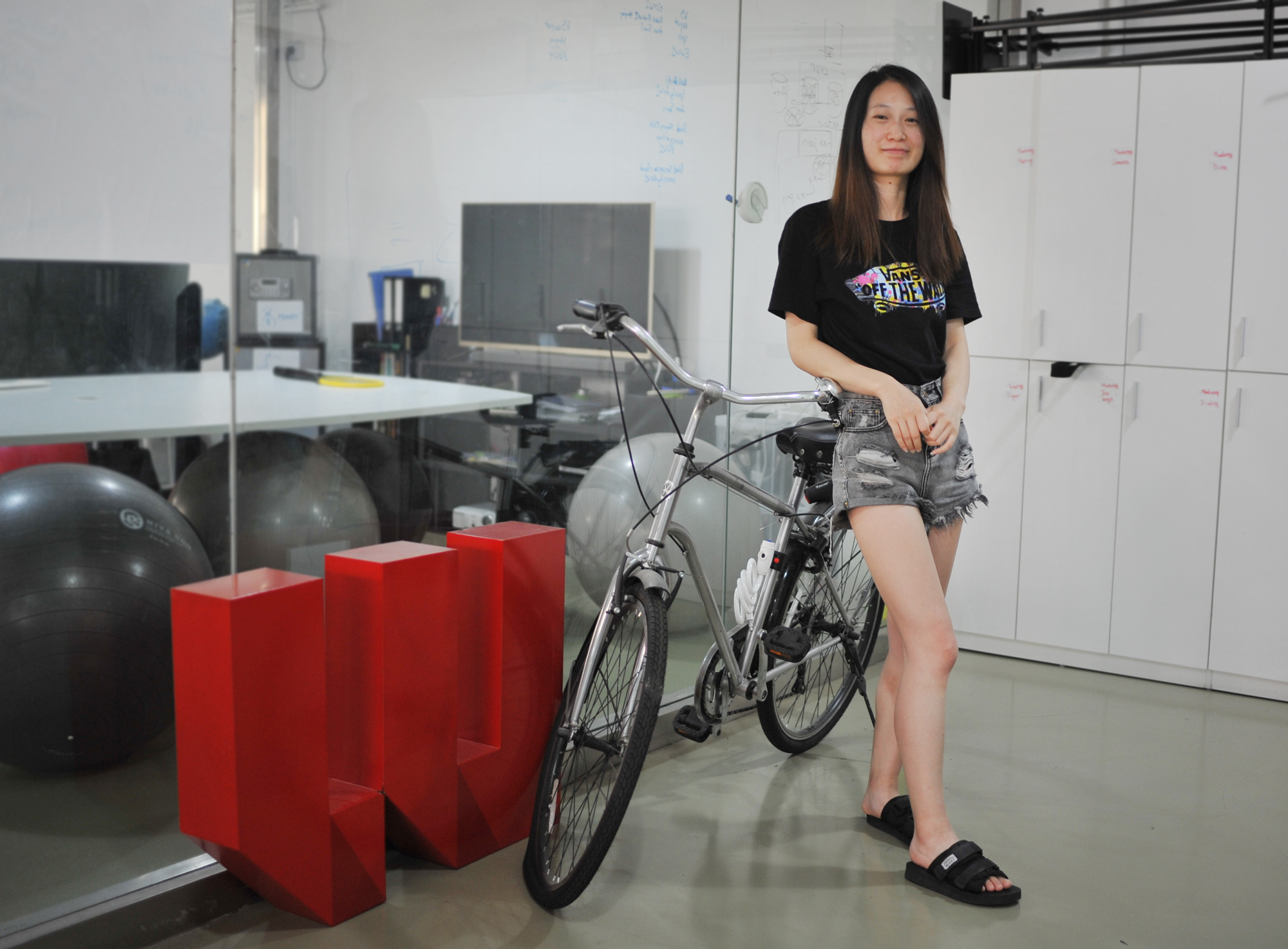 Nihao, Tracy, our new member of the operations team in Shanghai